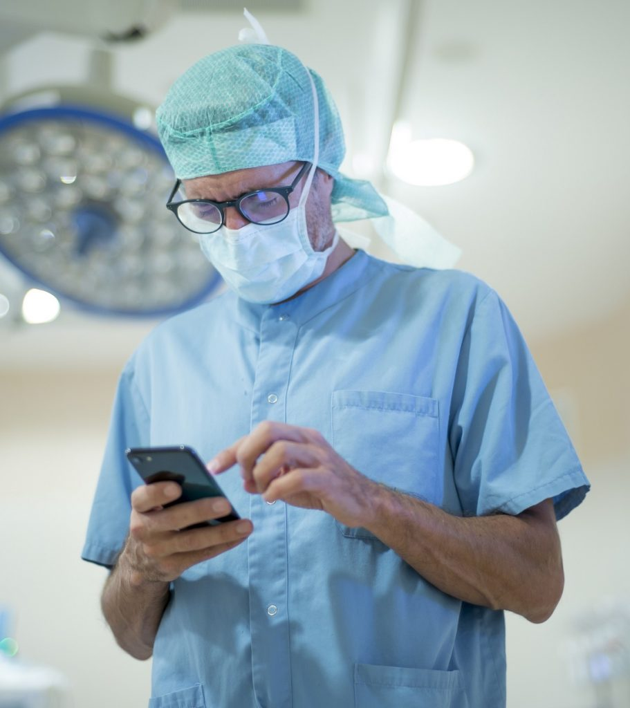 Doctor Surgeon SMS text messaging